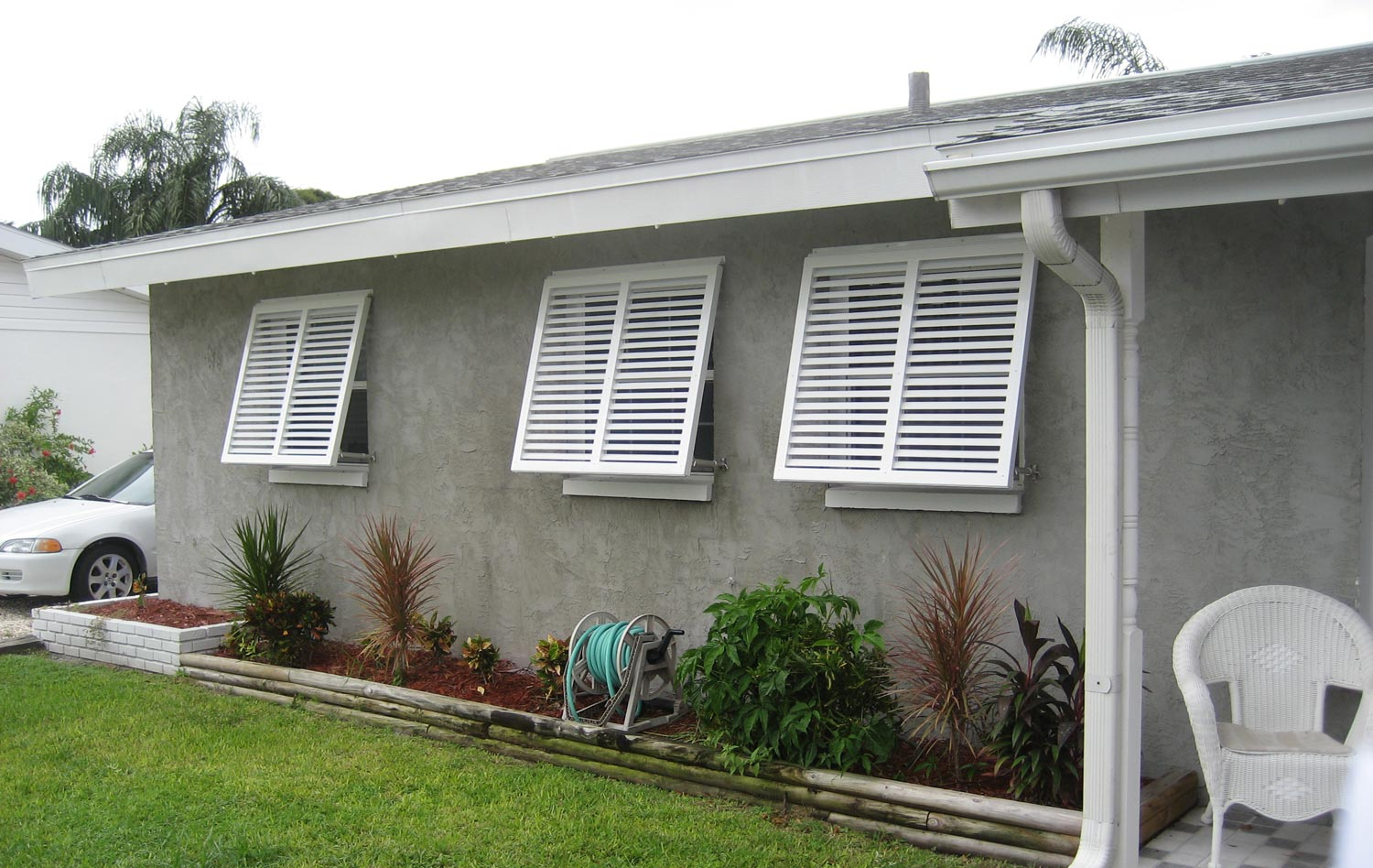 Bahama awnings 28 images sunbelt shutters bahama for Bahama shutter plans