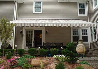 Durasol Triumph retractable patio awning