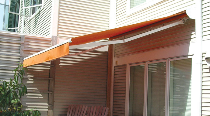 Quartz Retractable Awning Package