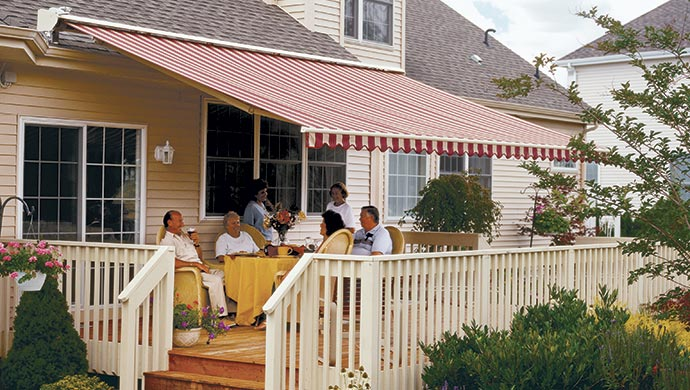 Elite Plus Retractable Lateral Arm Awning