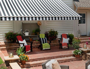 Signature Sunbrella 174 Striped Awnings In Black And White