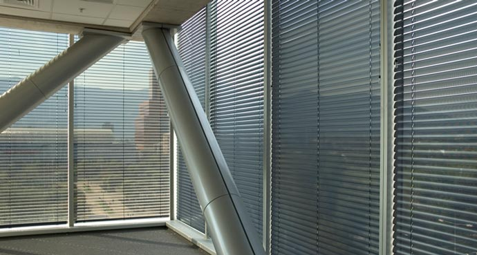 Aluminum horizontal blinds for 12 500 commercial window coverings inc