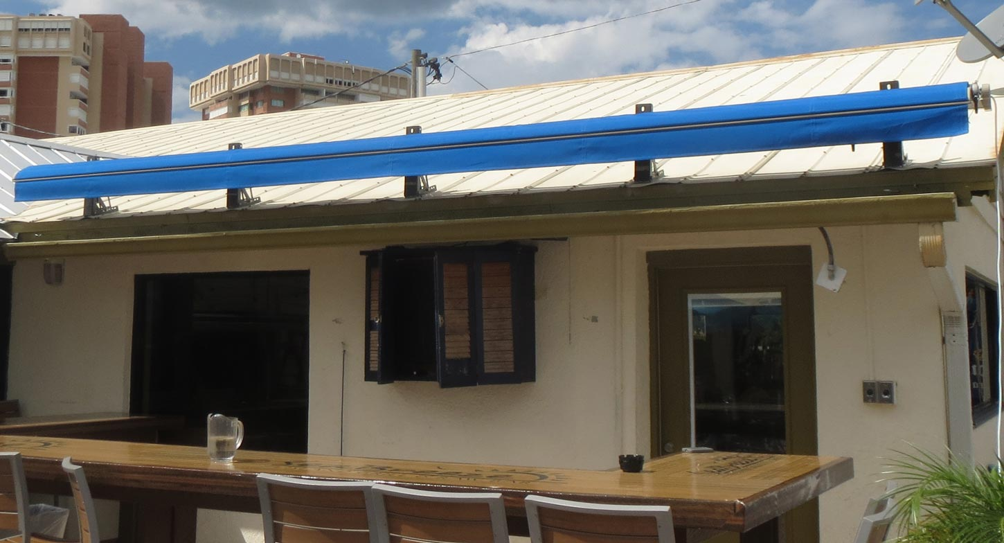 SeaBreeze roof mount retractable awning