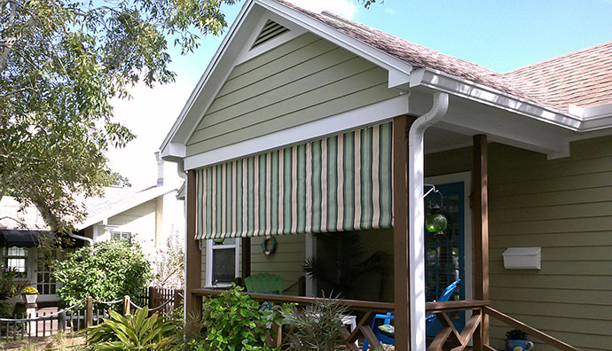 Roll curtains and solar screens for Outdoor roll up privacy screens