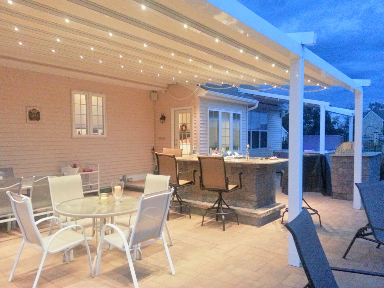 Retractable Patio Roof Creates A Modern Look To Any
