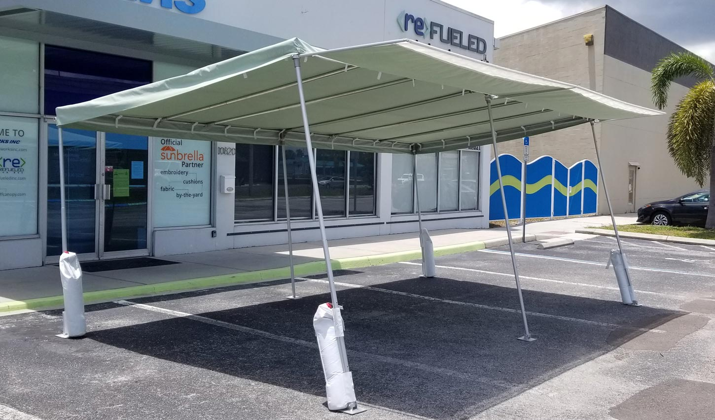medTent with awning