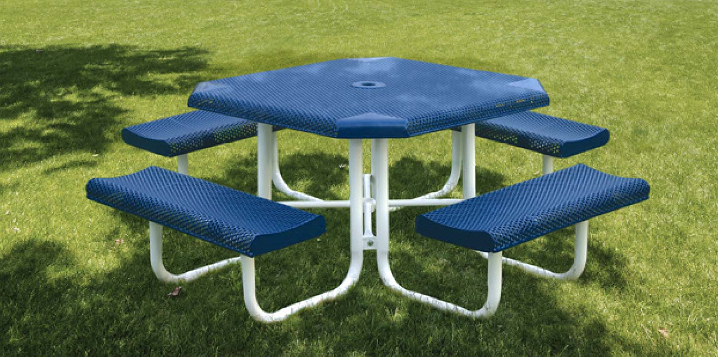 park amenities picnic table